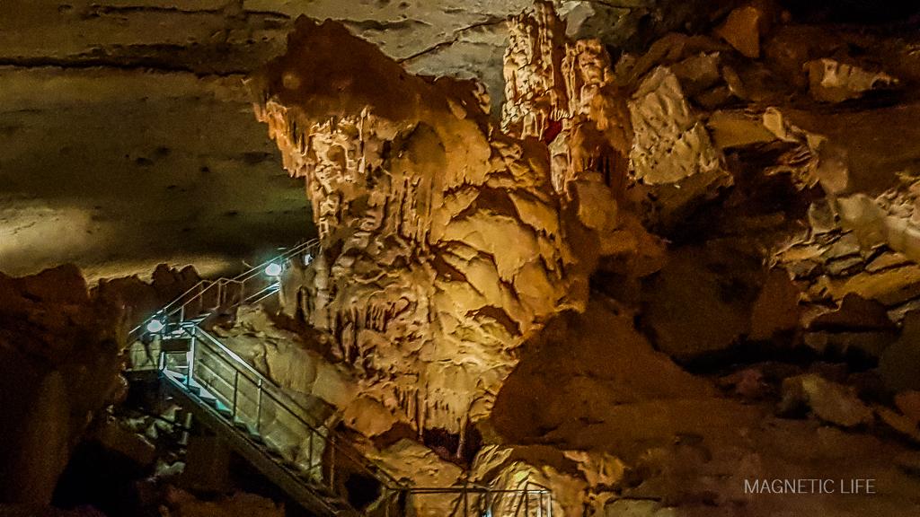Trasa turystyczna wAl Hoota Cave