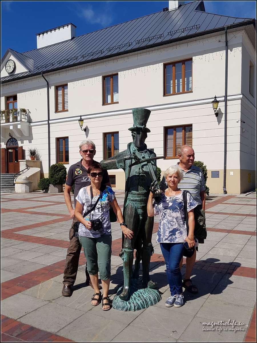 Szczebrzeszyn pomnik świerszcza