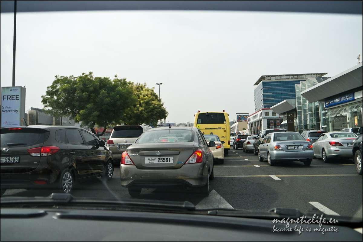 Korek nasiedmiopasmowej autostradzie wDubaju