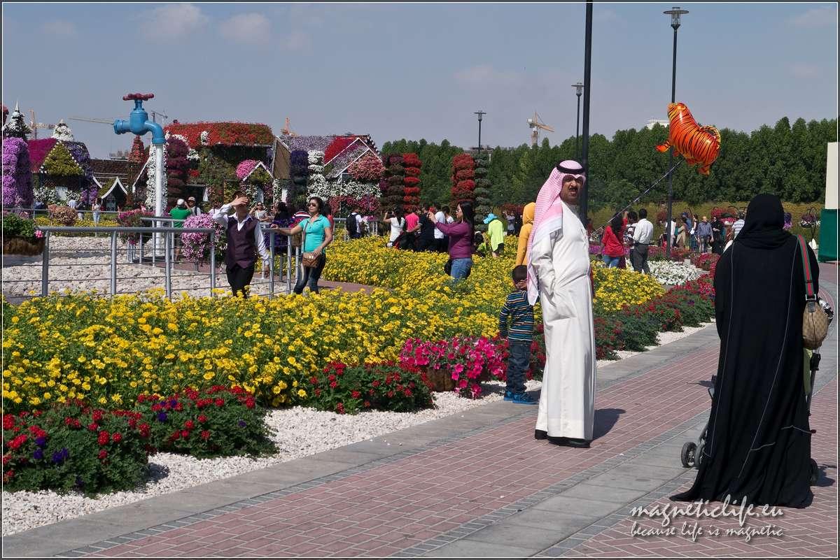 Arabowie wMiracle Garden