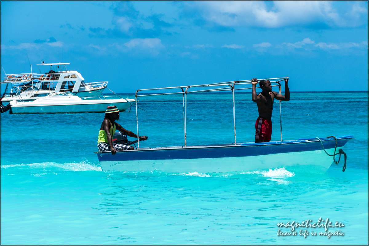 Zachodnie wybrzeże Zanzibaru. Woczekiwaniu nanurków