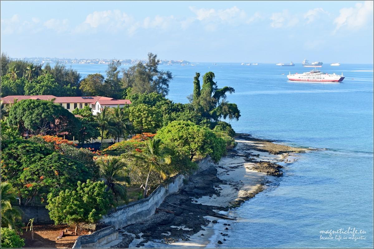 Zachodnie wybrzeże Zanzibaru. Prom