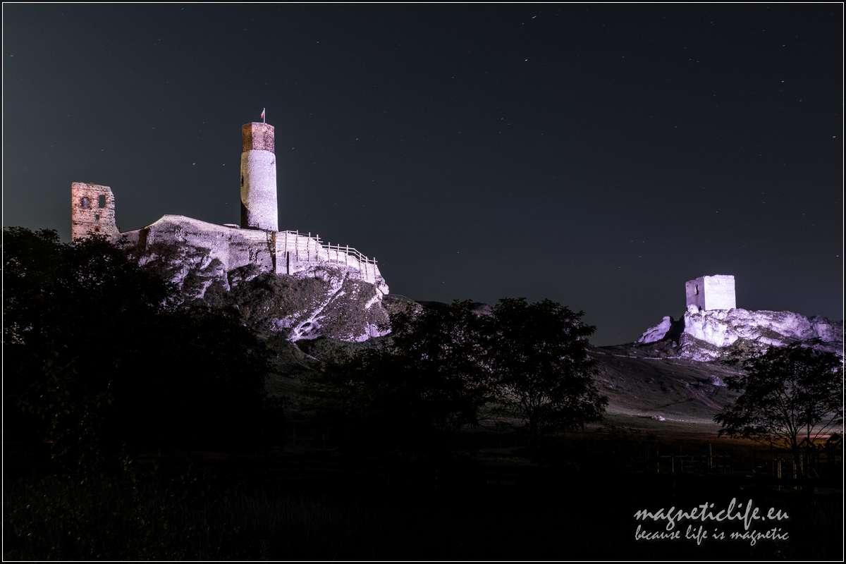 Zamek wOlsztynie nocny widok