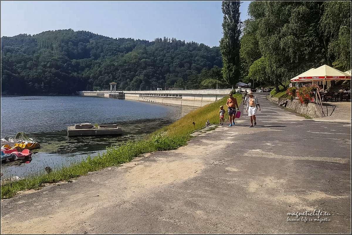 Jezioro Rożnowskie zapora