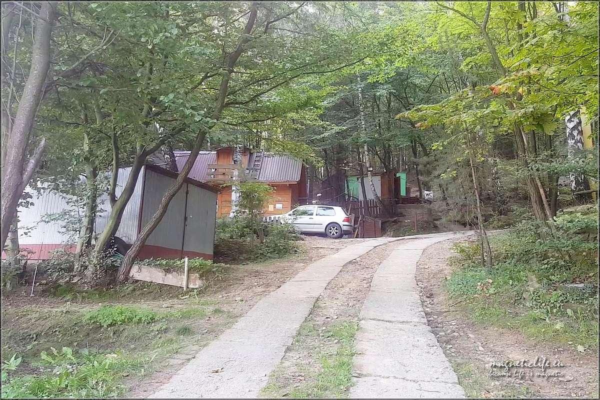 Pole namiotowe Tabaszowa droga dojazdowa