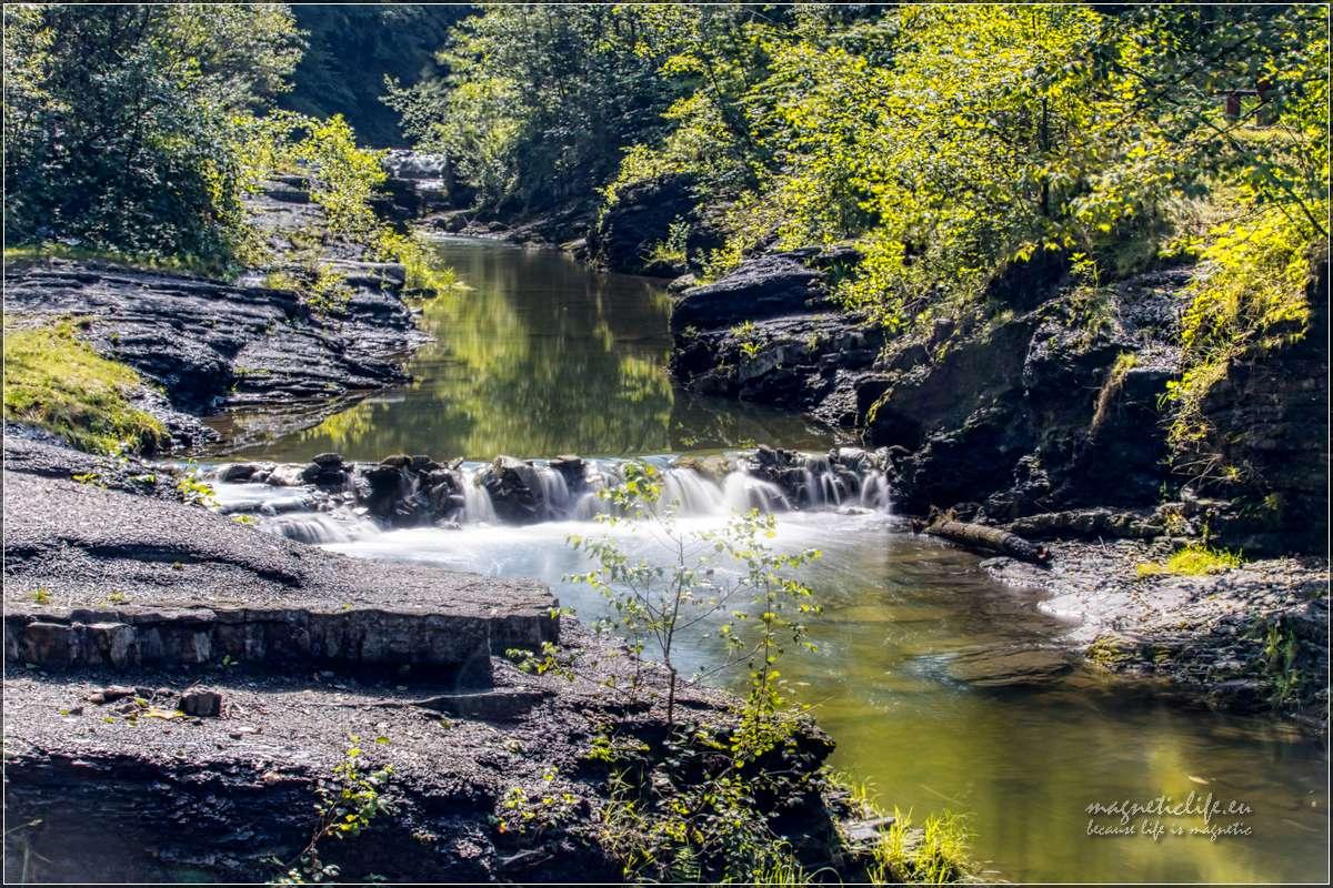 Przełom Wieprzówki uroczy wodospad