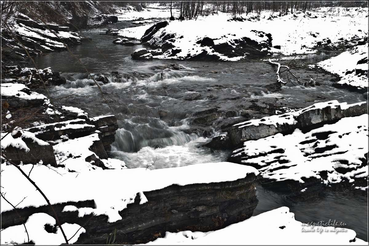 Przełom Wieprzówki zimą